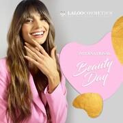 Η σημερινή ημέρα είναι αφιερωμένη στην ομορφιά και γιορτάζουμε! Φοράμε το πιο όμορφο χαμόγελο και αναγνωρίζουμε την ομορφιά στα πάντα γύρω μας 🌸  Γράψτε μας στα σχόλια τον κωδικό της πιο όμορφης για εσάς #laloo απόχρωσης και κερδίστε την μαζί με ένα σετ Brazzcare γαντάκια και καλτσάκια!  Ο νικητής θα ανακοινωθεί την Παρασκευή το μεσημέρι στα σχόλια και σε story 💞  @mariavelvetnails συγχαρητήρια 🎉  #laloocosmetics #laloonails