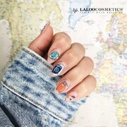Let's travel ✈️  Μοιραστείτε μαζί μας τον προορισμό των ονείρων σας 👇 και εμείς αύριο στις 12:00 σας έχουμε το νέο μας καλόκαιρινό launch ⛵  #laloocosmetics #laloonails