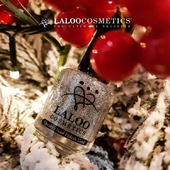 Is it Christmas yet??  Laloo high quality weekly nail polishes!!  Grab 'em online at laloo.gr  No. 96 📷 by @elenipsarom ❤️💅 . #laloo #laloocosmetics #laloonails #instanails #christmasnails #nailstyle #nailart #nails