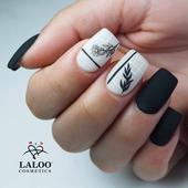 30 Νοεμβρίου.... Κλείνει η εποχή του φθινοπώρου...με τα μαύρα του & τα άσπρα του!🖤🤍    Με nailart από την @evis_nails 🙏  #laloonails#laloocosmetics #laloo #blackandwhite