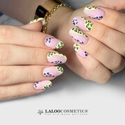 Αυτές είναι μόνο 2 από τις 12 νέες αποχρώσεις της Sweet Heat 🤩🤩 Εσύ ποια ξεχώρισες;  👉 510 Lime Neon 🍋 & 506 Lilac 🦄  #SweetHeat #laloocosmetics #laloonails