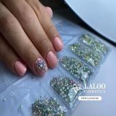 Βάλε λίγο strass στη βροχερή μέρα....✨✨✨ . 💅@g_nailtales No 257 laloo #laloonails #laloocosmetics #laloomania #lalooacademy #laloo #nailporn #nailart #gelpolish